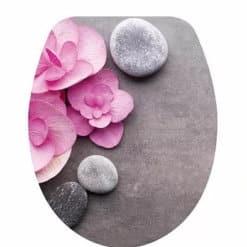 מושב אסלה צבעוני פרחים וסלעים